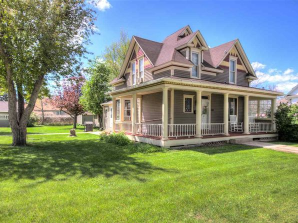 3 bed 2 bath Single Family at 1011 N Main St Spearfish, SD, 57783 is for sale at 279k - 1 of 21