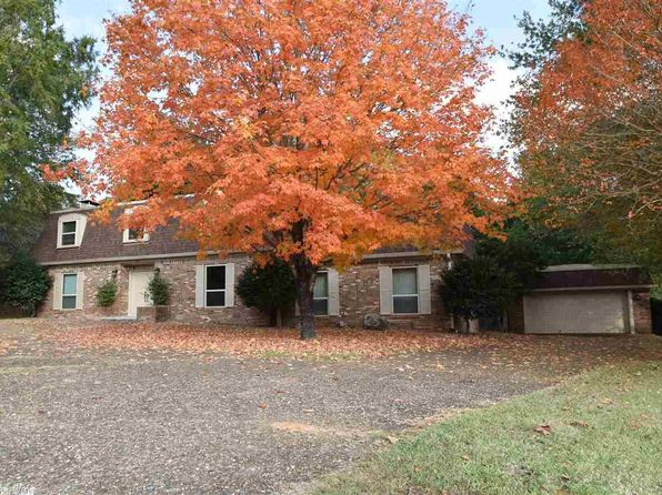 4 bed 3 bath Single Family at 107 Georgian St Hot Springs National Park, AR, 71901 is for sale at 265k - 1 of 33