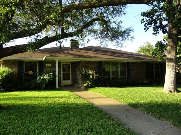 3 bed 2 bath Single Family at 203 Iroquois Ln Waxahachie, TX, 75165 is for sale at 204k - 1 of 22