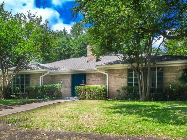4 bed 2 bath Single Family at 3213 Hilltop Ln Plano, TX, 75075 is for sale at 250k - 1 of 19
