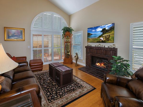 3 bed 3 bath Single Family at 158 Quiet Bay Ln Costa Mesa, CA, 92627 is for sale at 745k - 1 of 13