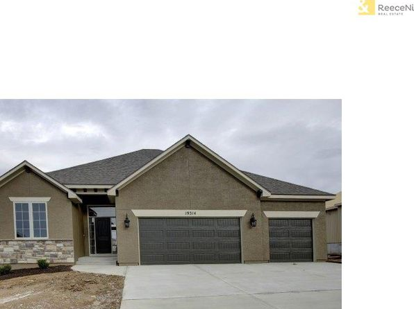 4 bed 3 bath Single Family at 19314 W 200th Ter Spring Hill, KS, 66083 is for sale at 386k - 1 of 23