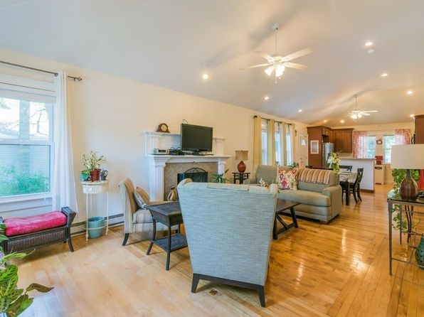 2 bed 1 bath Single Family at 32 Condon St Brockton, MA, 02301 is for sale at 235k - 1 of 16