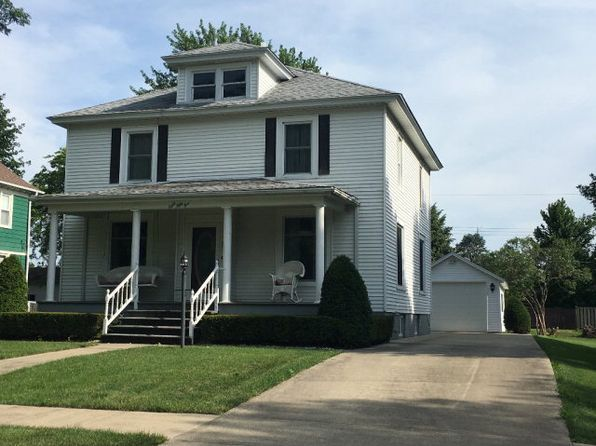 4 bed 1.5 bath Single Family at 855 E Washington St Hoopeston, IL, 60942 is for sale at 90k - 1 of 19