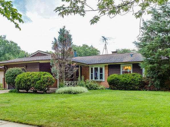 4 bed 2 bath Single Family at 246 Greenbriar St Elk Grove Village, IL, 60007 is for sale at 249k - 1 of 17