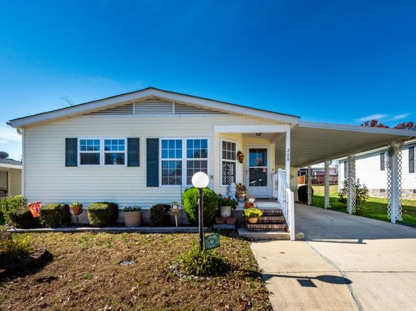 2 bed 2 bath Mobile / Manufactured at 208 Sweet Ln Hendersonville, NC, 28792 is for sale at 88k - 1 of 23