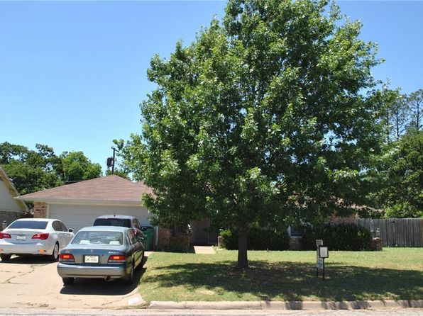 3 bed 2 bath Single Family at 1108 CLIFF DR GRAHAM, TX, 76450 is for sale at 135k - 1 of 21
