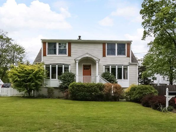 4 bed 3 bath Single Family at 9 NEW LN NEW CANAAN, CT, 06840 is for sale at 710k - 1 of 13