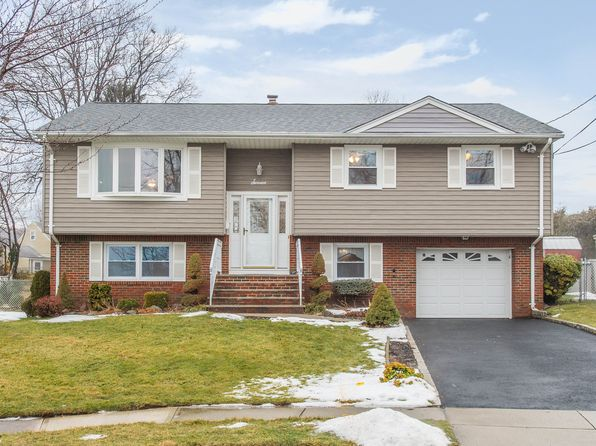 4 bed 3 bath Single Family at 7 Breezy Hill Ct Clifton, NJ, 07013 is for sale at 450k - 1 of 22