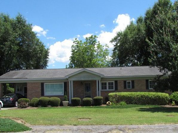 3 bed 5 bath Single Family at 115 Myrick St Barnwell, SC, 29812 is for sale at 130k - google static map