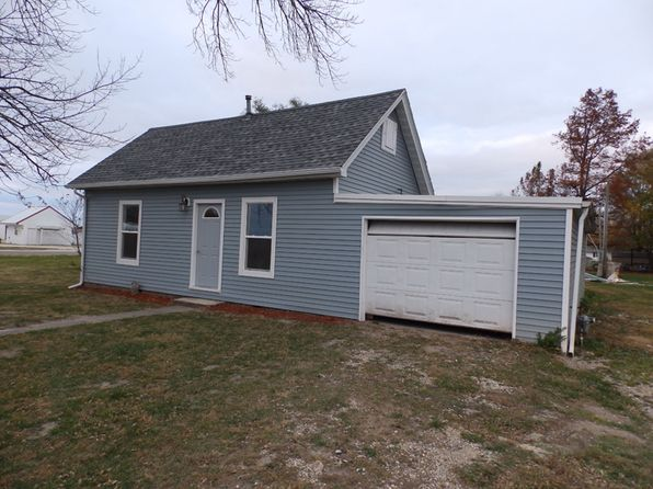 2 bed 1 bath Single Family at 204 Fairground Rd Pleasant Hill, IL, 62366 is for sale at 50k - 1 of 4