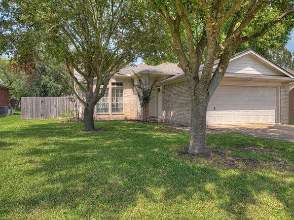 3 bed 2 bath Single Family at 10538 Twin Circles Dr Montgomery, TX, 77356 is for sale at 160k - 1 of 22