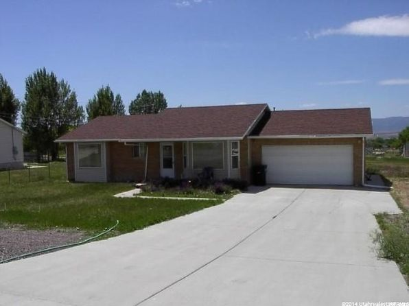 3 bed 2 bath Single Family at 75 N 900 E Mount Pleasant, UT, 84647 is for sale at 145k - 1 of 11