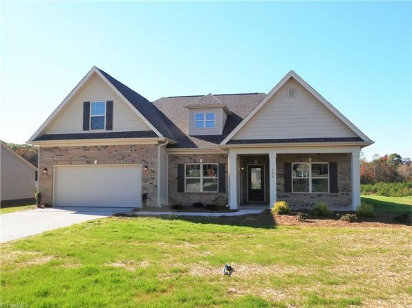 3 bed 2 bath Single Family at 105 Alcove Ct King, NC, 27021 is for sale at 245k - 1 of 18