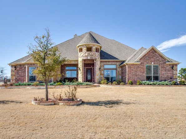 4 bed 4 bath Single Family at 101 Las Colinas Trl Aubrey, TX, 76227 is for sale at 569k - 1 of 36