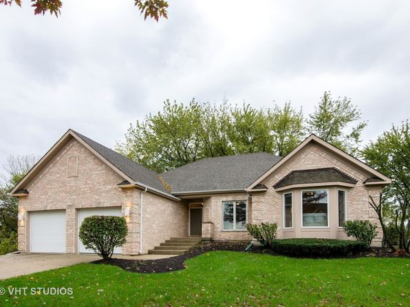 5 bed 4 bath Single Family at 1055 Wedgewood Dr Crystal Lake, IL, 60014 is for sale at 350k - 1 of 20