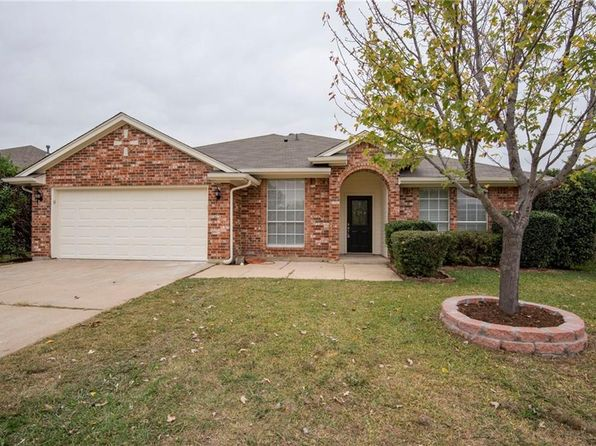 4 bed 2 bath Single Family at 116 Roberts Dr Saginaw, TX, 76179 is for sale at 245k - 1 of 13