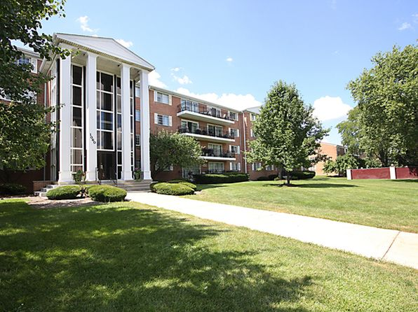 2 bed 2 bath Condo at 1060 N Farnsworth Ave Aurora, IL, 60505 is for sale at 79k - 1 of 28