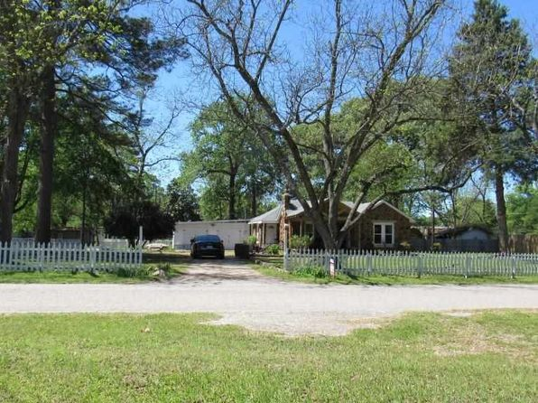 4 bed 2 bath Single Family at 701 N Alley St Jefferson, TX, 75657 is for sale at 165k - 1 of 25