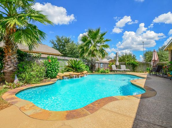 4 bed 2 bath Single Family at 2202 Crescent Water Rosenberg, TX, 77471 is for sale at 239k - 1 of 30