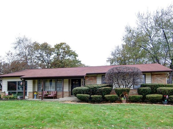 3 bed 2 bath Single Family at 1216 Carswell Ave Elk Grove Village, IL, 60007 is for sale at 200k - 1 of 19