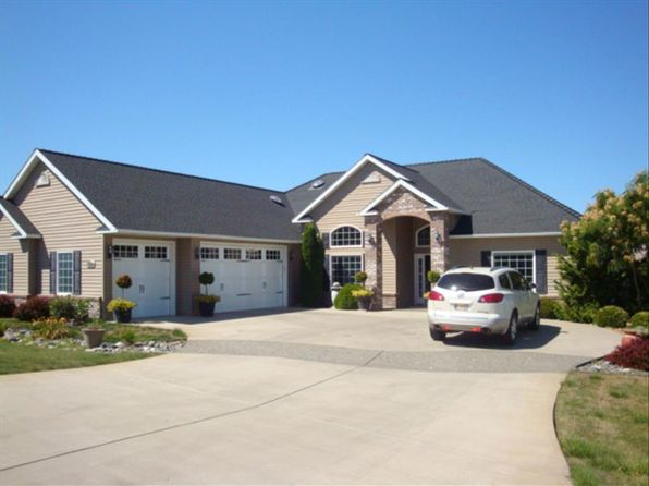 4 bed 3 bath Single Family at 935 Tamarack Dr Lewiston, ID, 83501 is for sale at 405k - 1 of 37