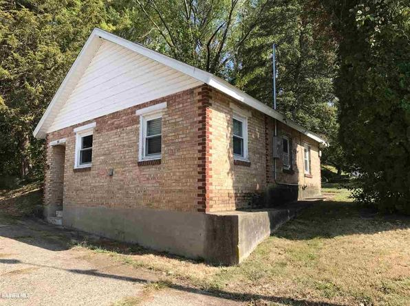 2 bed 1 bath Single Family at 207 Hill St Savanna, IL, 61074 is for sale at 37k - 1 of 11