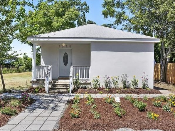 2 bed 2 bath Single Family at 1730 Feliciana St New Orleans, LA, 70117 is for sale at 229k - 1 of 15
