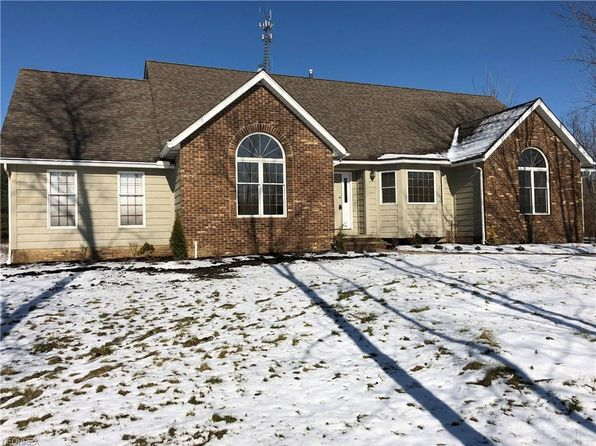 3 bed 3 bath Single Family at 11270 Woodie Glen Dr Chardon, OH, 44024 is for sale at 325k - 1 of 19