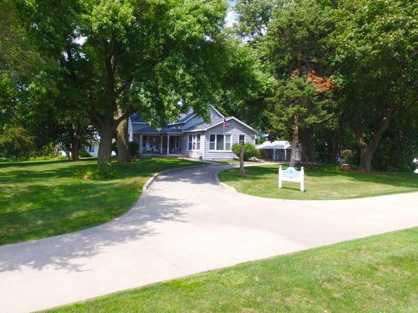 3 bed 2 bath Single Family at 7230 NE 12th Ave Pleasant Hill, IA, 50327 is for sale at 227k - 1 of 30