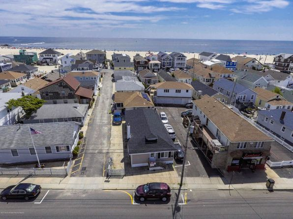 3 bed 2 bath Condo at 130 Ocean Ave Point Pleasant Beach, NJ, 08742 is for sale at 359k - 1 of 10