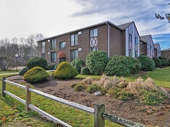 2 bed 1 bath Condo at 127 King St Franklin, MA, 02038 is for sale at 140k - 1 of 25