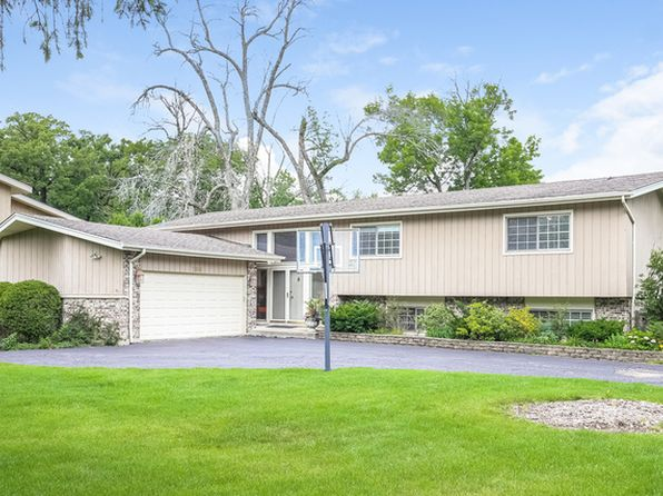 5 bed 3 bath Single Family at 2800 Trail Way Highland Park, IL, 60035 is for sale at 600k - 1 of 52