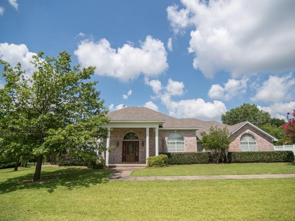 3 bed 2 bath Single Family at 1710 Norwood St Sherman, TX, 75092 is for sale at 225k - 1 of 36