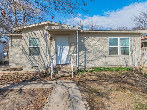 3 bed 2 bath Single Family at 812 W Felix St Fort Worth, TX, 76115 is for sale at 115k - 1 of 25