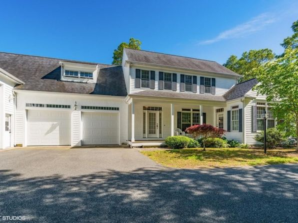 3 bed 3.5 bath Single Family at 6 Smilin Jack Ln East Falmouth, MA, 02536 is for sale at 700k - 1 of 20