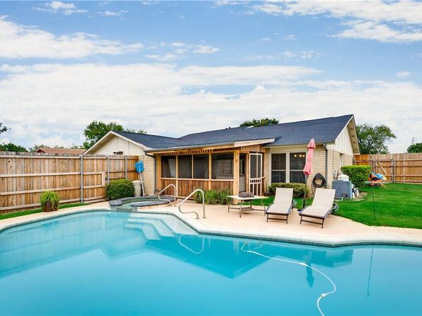 3 bed 2 bath Single Family at 2941 LANDERSHIRE LN GARLAND, TX, 75044 is for sale at 246k - 1 of 12