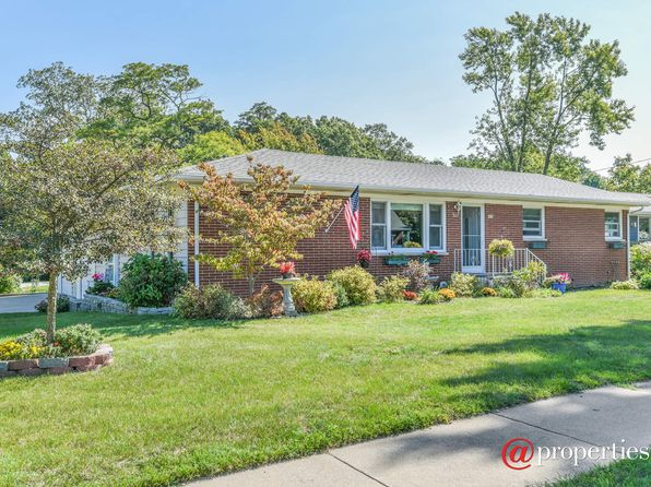 3 bed 3 bath Single Family at 205 S Whittaker St New Buffalo, MI, 49117 is for sale at 299k - 1 of 20
