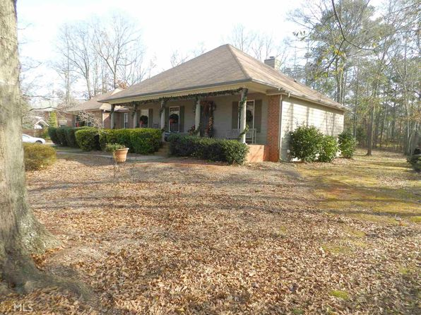 3 bed 2 bath Single Family at 110 WALNUT CT STOCKBRIDGE, GA, 30281 is for sale at 155k - 1 of 22