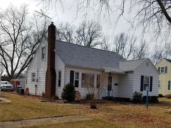 3 bed 1 bath Single Family at 1470 Livingston St Carlyle, IL, 62231 is for sale at 80k - 1 of 9
