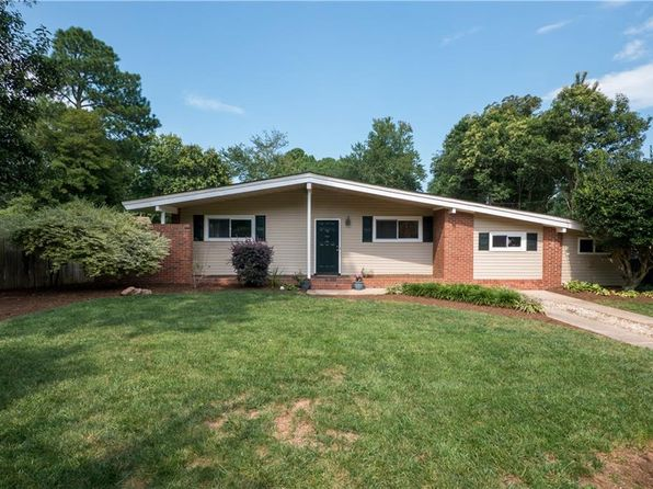 3 bed 2 bath Single Family at 1313 Strawberry Ln Virginia Beach, VA, 23454 is for sale at 319k - 1 of 28