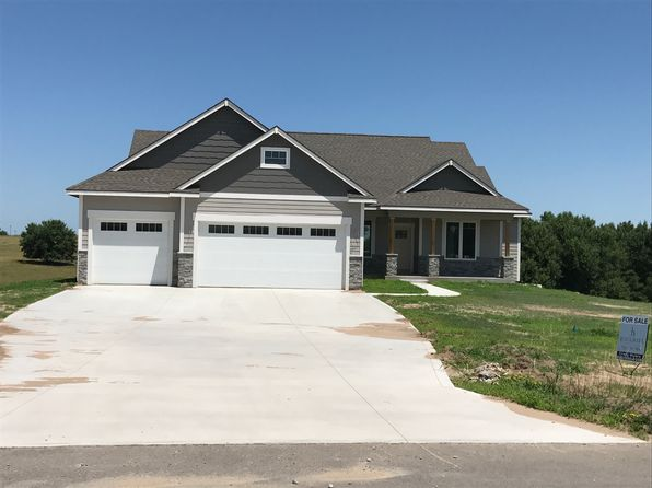 5 bed 4 bath Single Family at 14087 Prairie Fire Ln Wamego, KS, 66547 is for sale at 470k - 1 of 11