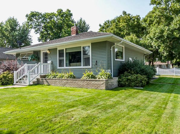 2 bed 2 bath Single Family at 727 N Garden St Lake City, MN, 55041 is for sale at 170k - 1 of 28