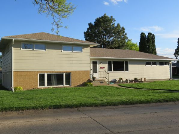 3 bed 2 bath Single Family at 1930 Nome St Broken Bow, NE, 68822 is for sale at 179k - 1 of 20