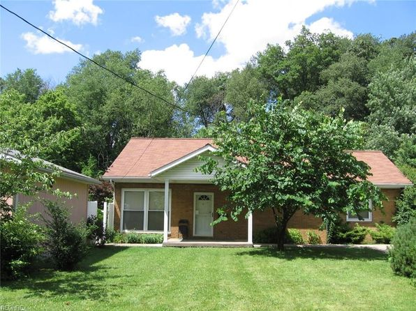 3 bed 1 bath Single Family at 1401 32nd St NW Canton, OH, 44709 is for sale at 110k - 1 of 23
