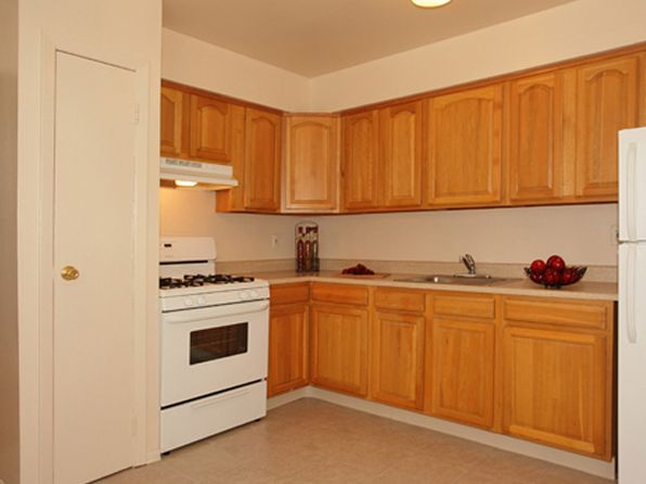 Middlesex County Nj Pet Friendly Apartments Houses For Rent 92 Rentals Zillow