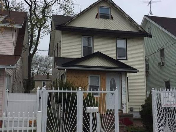 3 bed 2 bath Single Family at 97006 222 St Jamaica, NY, 11429 is for sale at 570k - 1 of 12