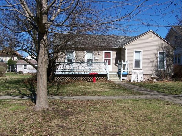 2 bed 1 bath Single Family at 204 E Elm St Fairbury, IL, 61739 is for sale at 50k - 1 of 12