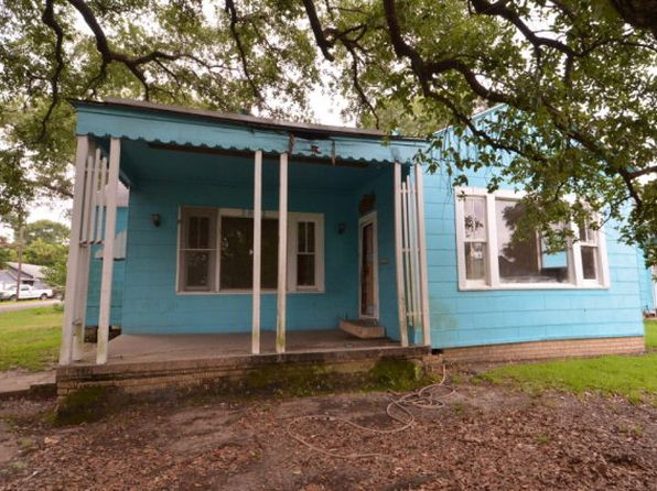 4 bed 3 bath Single Family at 3801 27th St Port Arthur, TX, 77642 is for sale at 60k - 1 of 5