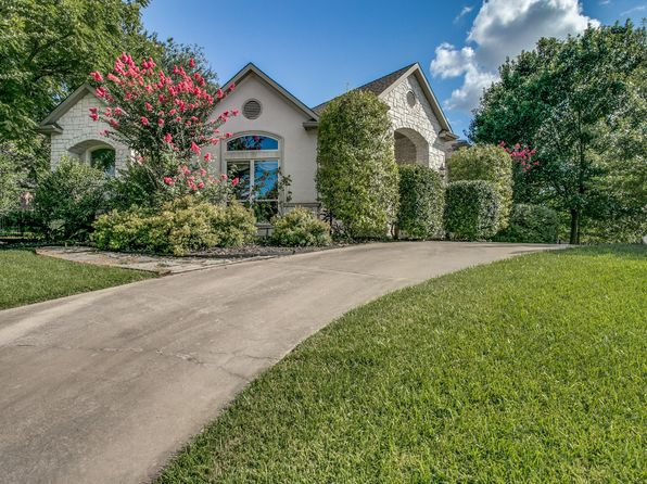 4 bed 4 bath Single Family at 2314 Summer Brook Ct Cedar Hill, TX, 75104 is for sale at 385k - 1 of 25